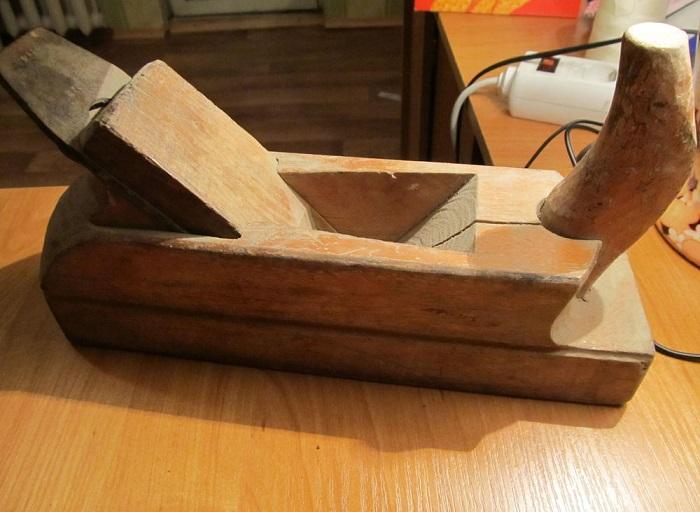 Фотография деревянного рубанка