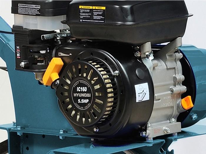 На фото бензиновый двигатель для мотоблока