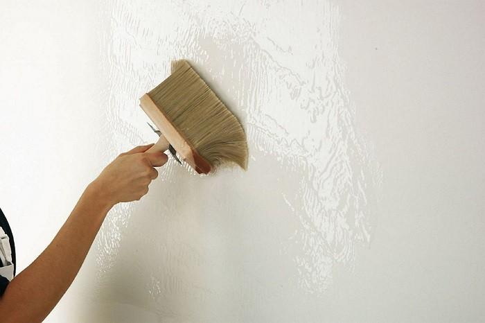 Фотография побелки стен известью