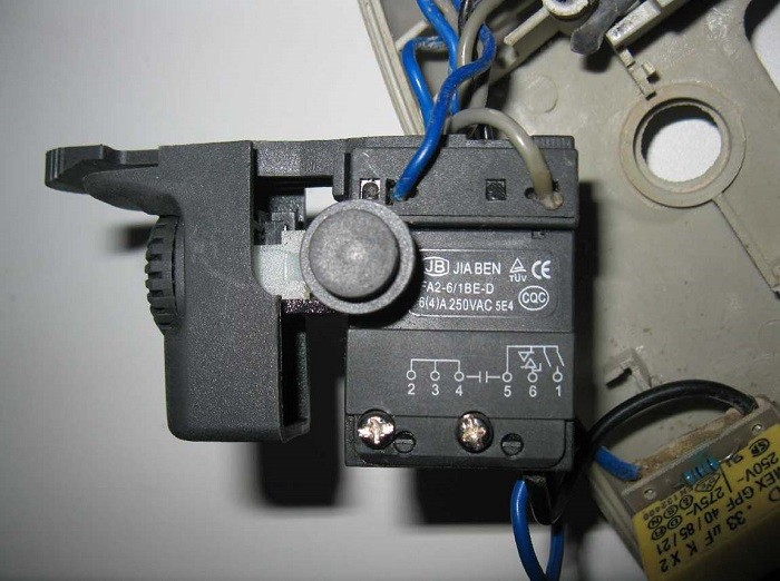 Фотография подключения кнопки дрели