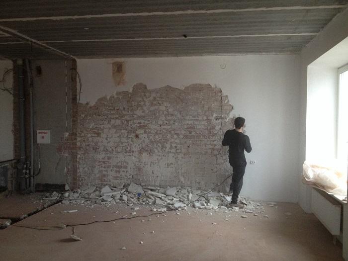 На фото подготовка стен к штукатурке