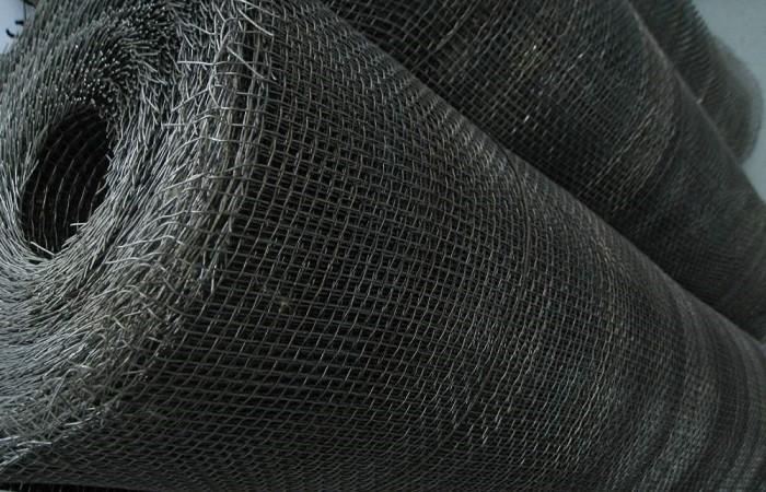 На фото проволочная тканная штукатурная сеть гост 3826-82