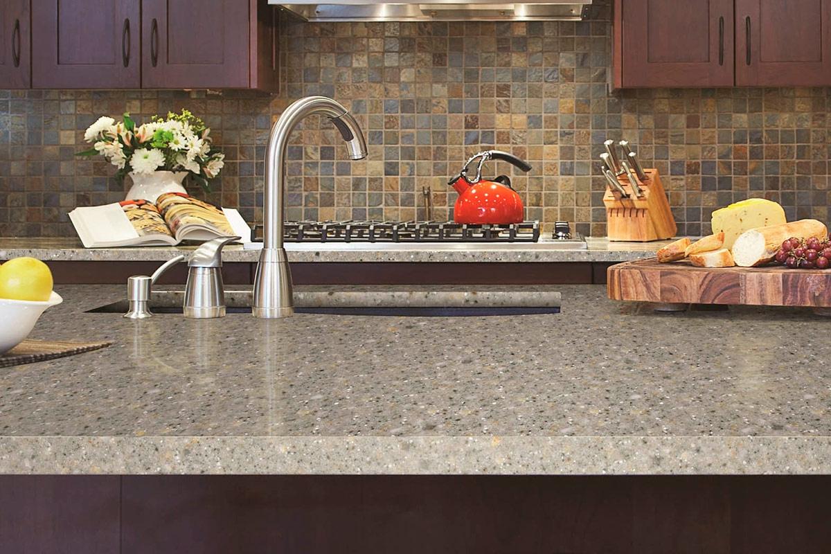Изготовление столешницы из искусственного камня в домашних условиях кухни с черными столешницами фото
