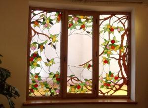 Пластиковые витражные окна