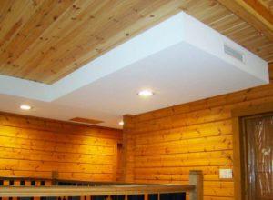 Как и чем отделать потолок в деревянном доме