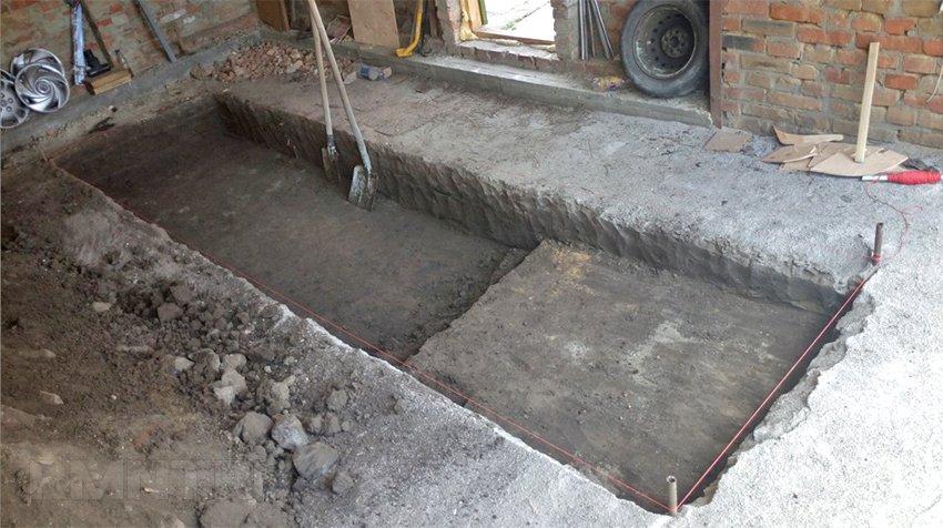 Частичная разборка бетонного пола в гараже