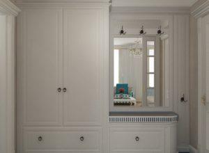 Белый шкаф и в стиле прованс с зеркалом и стилизованной мебельной фурнитурой