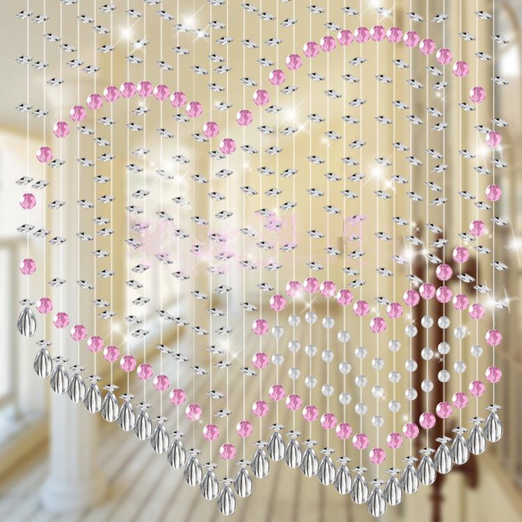 Рисунок из бусин на нитяных шторах