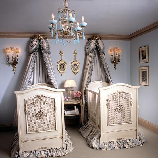 Комната для новорождённых мальчиков в классическом стиле