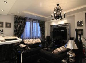Чёрно-белая гостиная в классическом стиле