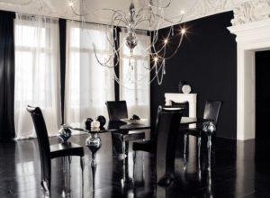 Чёрно-белая гостиная с утончённой мебелью