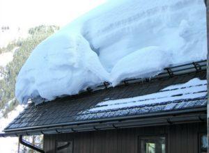 Снегозадержатели в действии