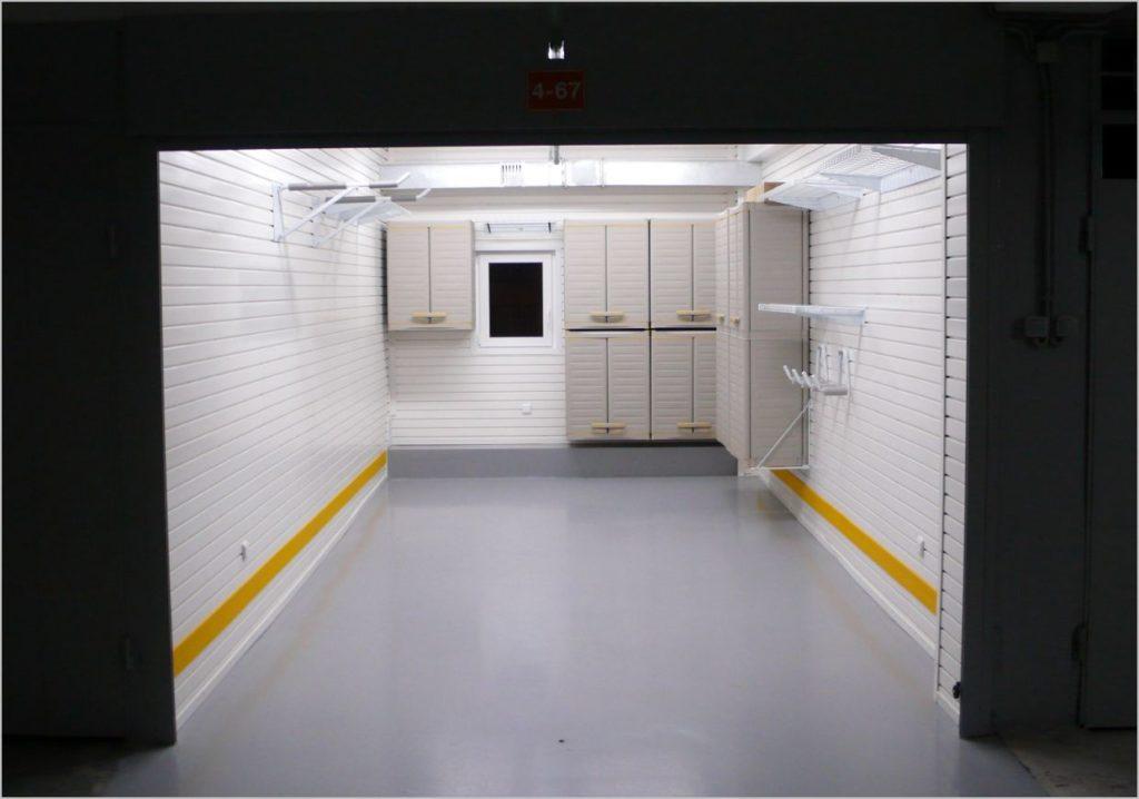 Вагонка в интерьере гаража
